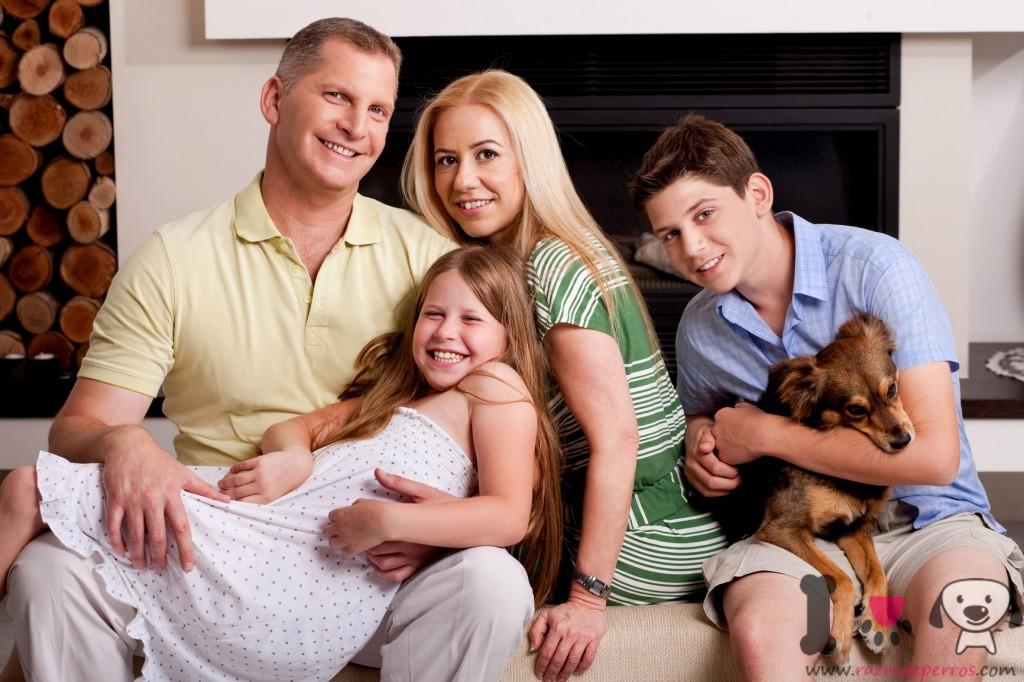 Familia con su perro
